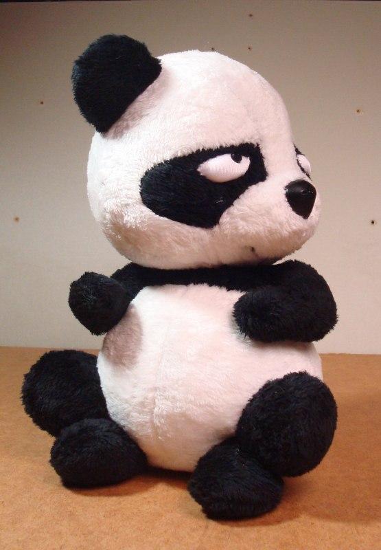 Обиженная панда игрушка мягкая