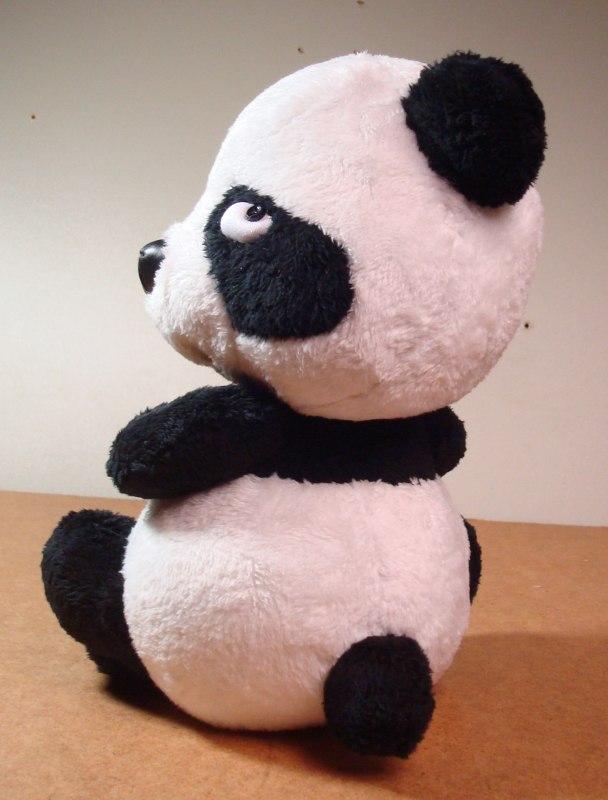 Обиженная панда игрушка